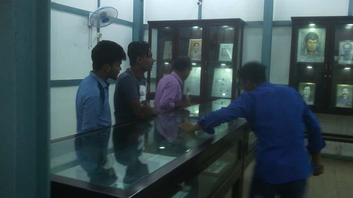ঘুরে আসুন সুনামগঞ্জ জাদুঘর