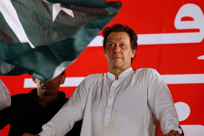 দেশ চালানোর মত কোনও টাকাই নেই : ইমরান খান