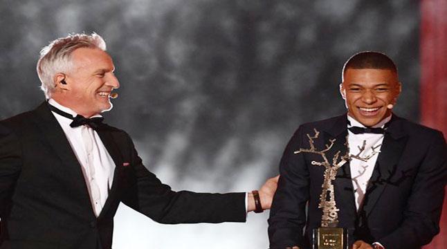 সেরা উদীয়মান ফুটবলার এমবাপ্পে