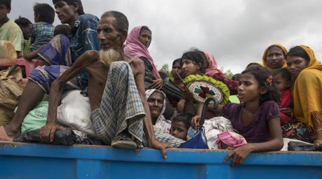 ভারত থেকে পালিয়ে বাংলাদেশে ১৩০০ রোহিঙ্গা