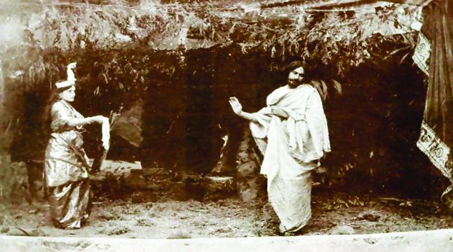 ঠাকুরবাড়ির ইন্দিরা