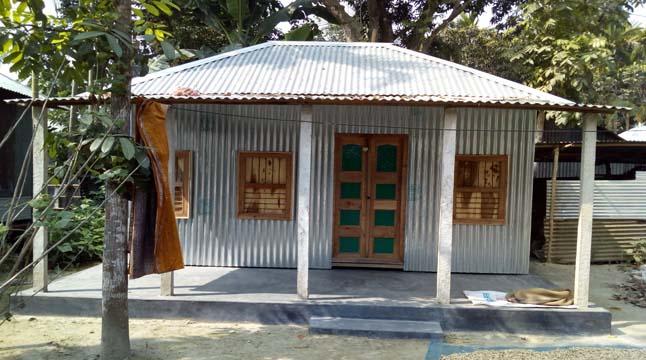 উৎকোচের বিনিময়ে 'পুতুল খেলার ঘর'