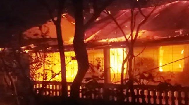 সুনামগঞ্জে অগ্নিকাণ্ডে পুড়ে গেছে দুইটি বসতঘর