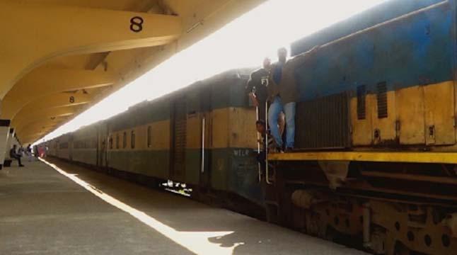 কমলাপুর পৌঁছেছে দুর্ঘটনাকবলিত 'উপবন এক্সপ্রেস'
