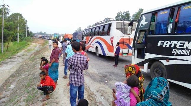 ঢাকা-টাঙ্গাইল মহাসড়কে ৪০ কিমি যানজট