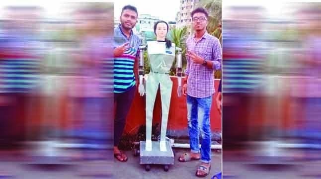 কুবির মানব রোবট 'সিনা'