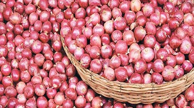 কমলগঞ্জে সেঞ্চুরি ছাড়াল পিয়াজের দাম