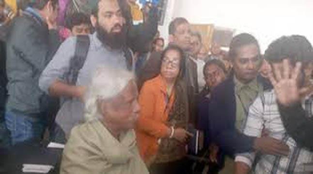 গণ বিশ্ববিদ্যালয় বন্ধ হয়ে যাক: ডা. জাফরুল্লাহ