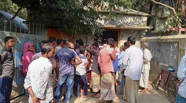 সিরাজগঞ্জে স্বল্পমূল্যে খাদ্যশষ্য বিতরণে নয়-ছয়