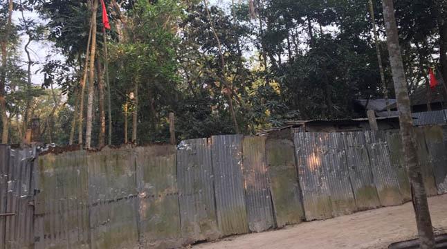 সোনাইমুড়ীতে আদালতের নিষেধাজ্ঞা অমান্য করে ভূমি দখলের চেষ্টা
