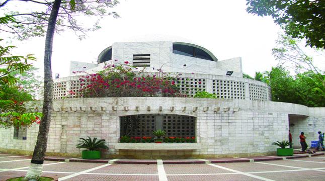 টুঙ্গিপাড়া এখন বাঙালি জাতির পুণ্যভূমি