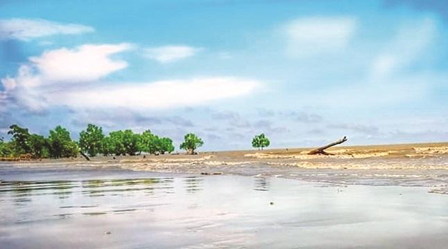 নয়নাভিরাম সি-বিচ