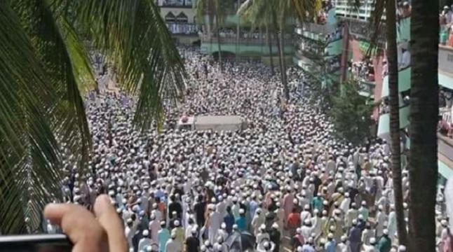 আল্লামা শফীর মরদেহ হাটহাজারী মাদরাসায়
