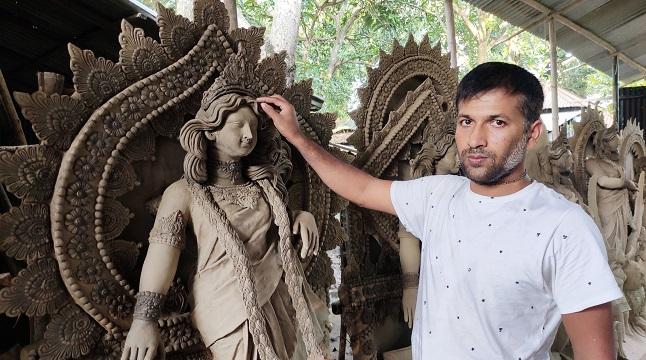 করোনায় ভালো নেই সিরাজগঞ্জের প্রতিমা শিল্পীরা