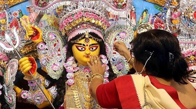 আজ মহানবমী, দেবী দুর্গাকে প্রাণভরে দেখার সময়