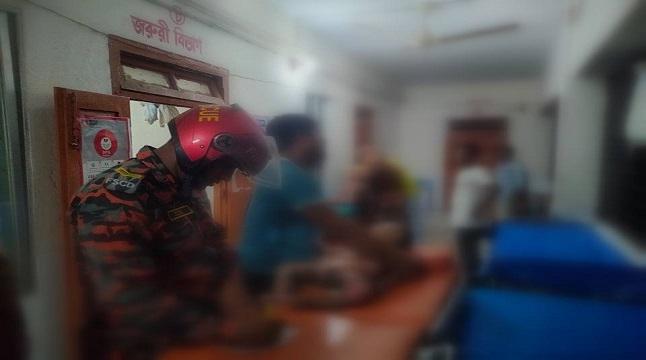 মুন্সীগঞ্জে আগুনে পুড়ে এক বছররে শিশুর মৃত্যু, হাসপাতালে দগ্ধ মা-বোন