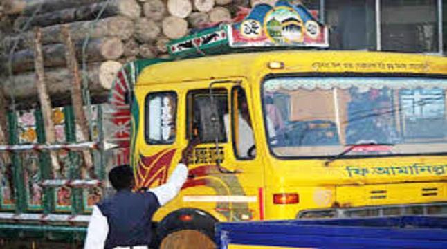 কক্সবাজারে থামেনি পুলিশের চাঁদাবাজি