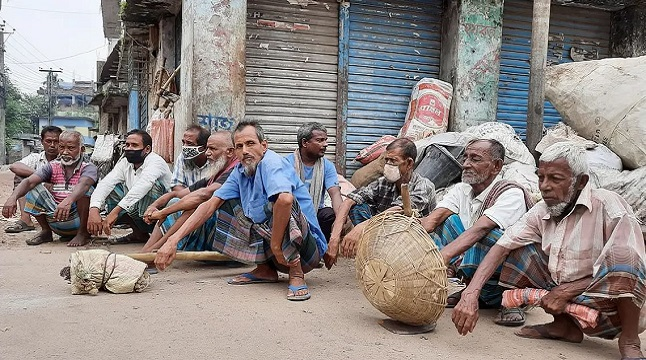 করোনায় আয় কমেছে ৭০ ভাগ মানুষের
