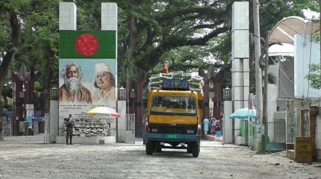 লকডাউনে স্বাভাবিক বেনাপোল বন্দর