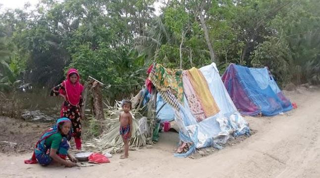 কলাপাড়ায় শত শত পরিবারের মানবেতর জীবনযাপন