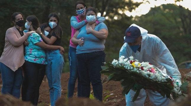 ব্রাজিলে ২৪ ঘণ্টায় করোনায় আরও ১৩৪৪ জনের মৃত্যু